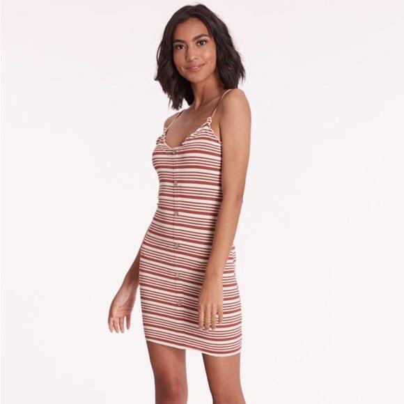 Love Tree Dresses & Skirts - Midi dress ✨✨